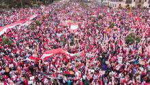 Perú vive masivas manifestaciones mientras espera los resultados de las elecciones presidenciales