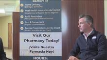 El gobernador de California firma ley para dar seguro médico a algunos indocumentados