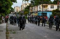 Cuba, sin conexión a internet y bajo fuerte custodia policial tras protestas en las calles