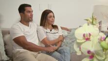 Un partido de fútbol y la obstinación de su novia le salvaron la vida a un residente del edificio colapsado en Surfside, Florida