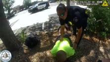 Un policía golpeó, estranguló y amenazó con matar a un hombre desarmado durante un arresto