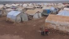 Refugiados sirios se enfrentan a un fuerte invierno en la provincia de Idlib