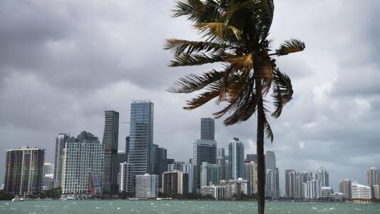 Calor y tormentas dispersas: lo que indica el pronóstico para la tarde del jueves en Miami