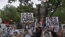 Exilio rinde homenaje a los presos políticos de la dictadura en el Día de la Independencia de Cuba