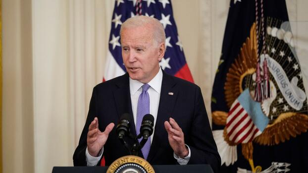Últimas noticias del coronavirus: Biden busca reimpulsar la vacunación con nuevas medidas