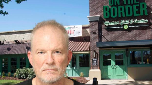 """""""Amo a la gente blanca"""": dejan calcomanías """"racistas"""" en restaurantes mexicanos"""